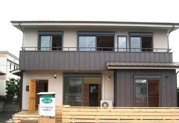 自然素材の家 木の家 木製ドア ウッドデッキ 吹抜け(熊本 熊本市)サムネイル