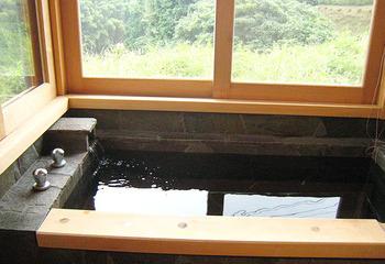 自然素材のお家 木製窓 手造りキッチン 木のお家 薪ストーブ 学童 子供たち(熊本 御船町)サムネイル