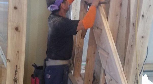 手造り階段の制作中です!!サムネイル