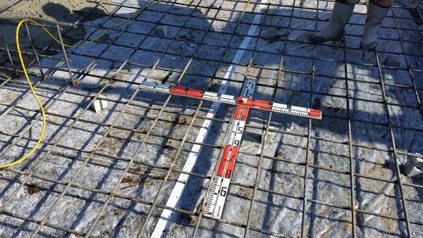 基礎の鉄筋配筋状況です! コンクリート打設状況です!サムネイル
