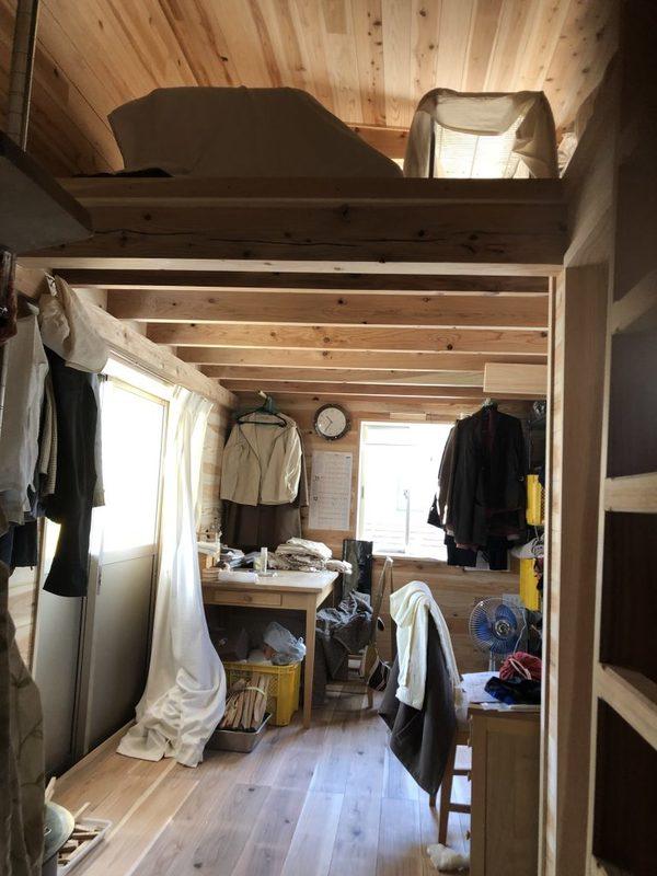 高森の住まい 仮小屋に引っ越ししました!! 以前より熟睡できてます!!サムネイル